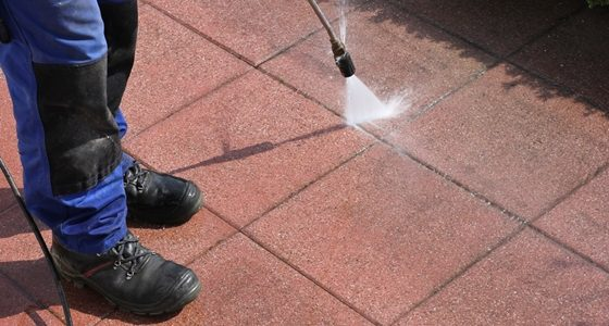 How does pressure washing work?